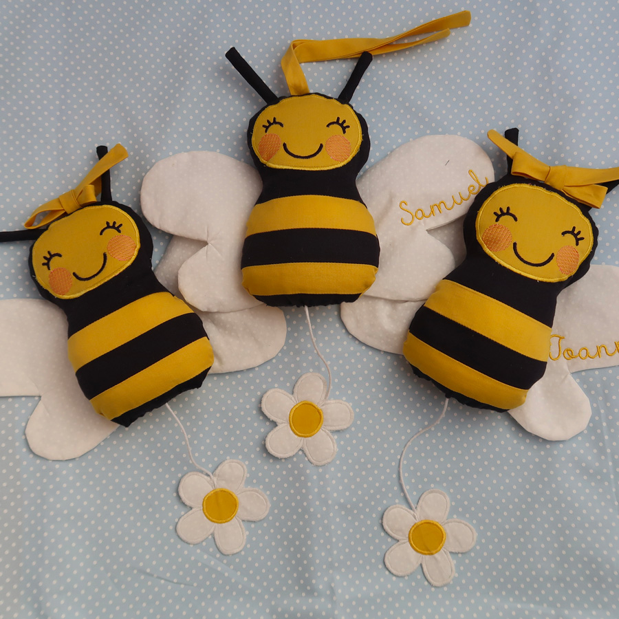 Doudou musical bébé abeille